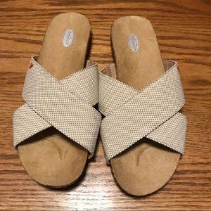 Dr Scholl's  Rae Tan Flip Flops. Size 8. Like New!